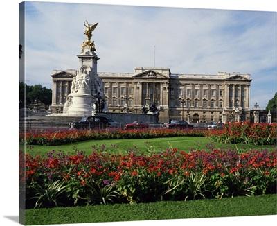 The Victoria Monument and Buckingham Palace, London, England, UK