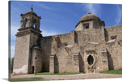 The walls, bell tower and dome of the San Jose Mission, San Antonio, Texas, USA