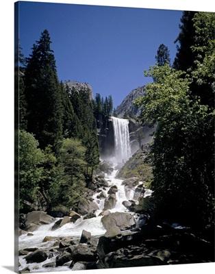Vernal Falls, 318ft., Yosemite National Park, California, USA