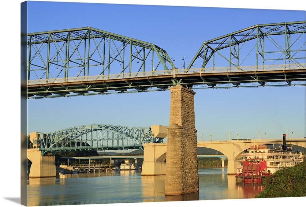 Walnut Street Bridge and Tennessee River, Chattanooga, Tennessee