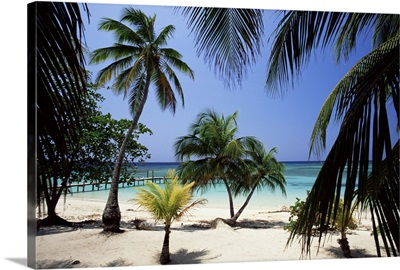 West Bay at the western tip of Roatan, Honduras, Caribbean