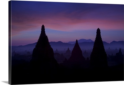 Sunrise at the temples of Bagan, Burma
