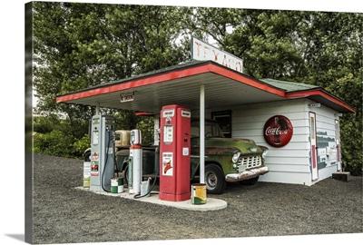 Vintage Texaco gas station in the Palouse, Washington