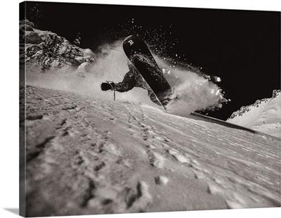 Ian Spiro snowboards in the Cascades, Washington