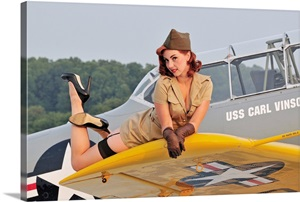 1940 S Style Pin Up Girl Lying On A T 6 Texan Training