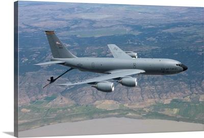 A KC-135R Stratotanker in flight over Central Oregon