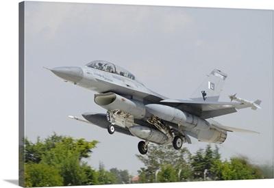 A Pakistan Air Force F-16B taking off from Konya Air Base, Turkey