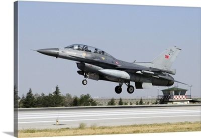A Turkish Air Force F-16D Fighting Falcon in midair
