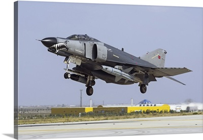 A Turkish Air Force F-4E-2020 Terminator equipped with the AGM-142 Popeye missile