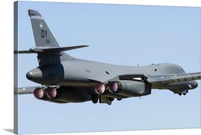 A U.S. Air Force B-1B Lancer takes off from RAF Fairford, England