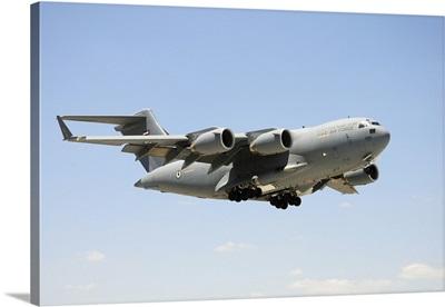 A United Arab Emirates Air Force C-17A Globemaster III prepares for landing