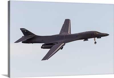 A US Air Force B-1B Lancer turns on to final approach at Nellis Air Force Base, Nevada