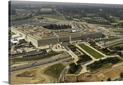 Aerial photograph of the Pentagon with the River Parade Field in Arlington, Virginia