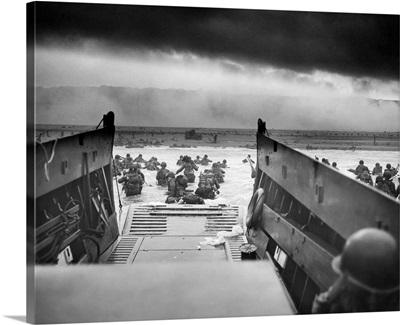 American troops approaching Omaha Beach in World War II