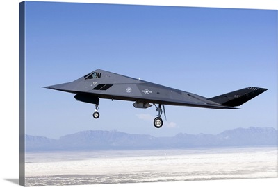 An F-117 Nighthawk flies a training sortie over New Mexico