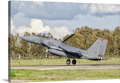 An F-15E Strike Eagle deploys from Decimomannu Air Base, Italy