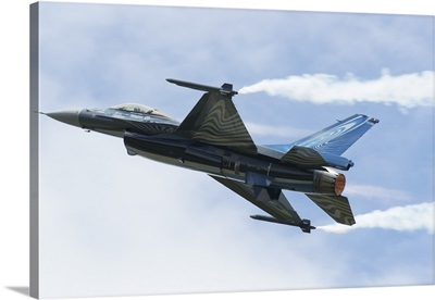 An F-16A Mide-Life Update of the Belgian Air Force in flight