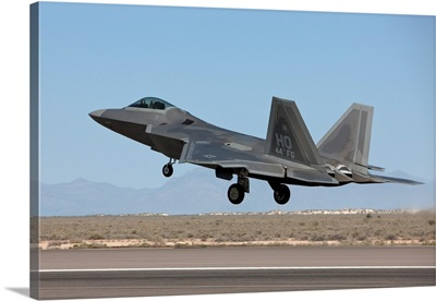 An F-22 Raptor takes off from Holloman Air Force Base, New Mexico
