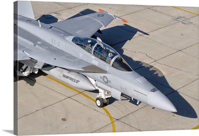 An F/A-18 Super Hornet of the U.S. Navy air test and evaluation squadron