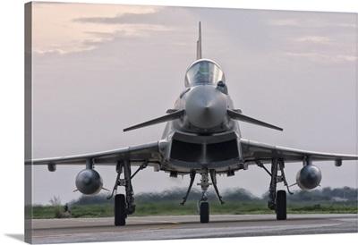 An Italian Air Force F-2000 Typhoon aircraft