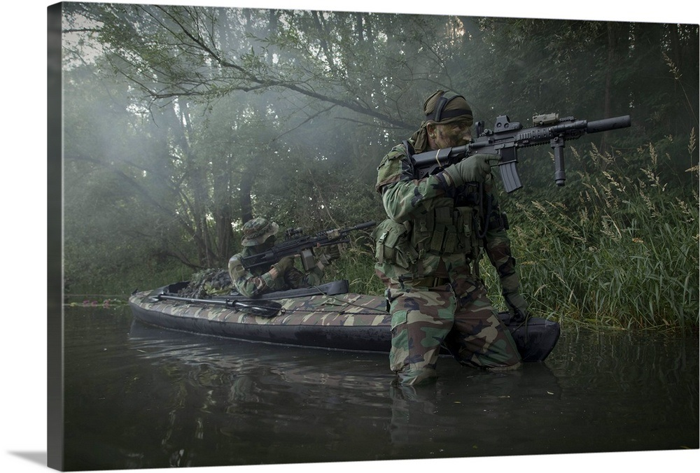 World Boat magazine: Hunting the next Bin Laden!  |Navy Seals Emerging From Water