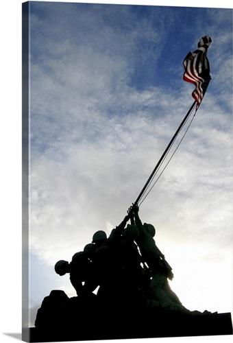 Silhouette of the Iwo Jima statue