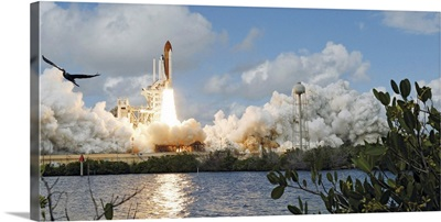 Space Shuttle Discovery launch