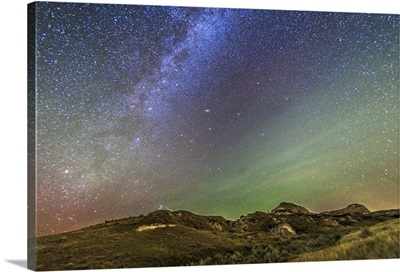 The northern autumn stars and constellations rising over Dinosaur Provincial Park
