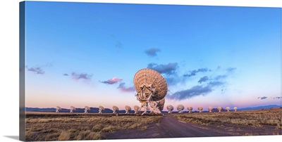 The Very Large Array radio telescope in New Mexico at sunset