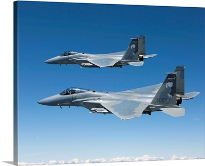 Two F-15 Eagles conduct air-to-air training over Oregon