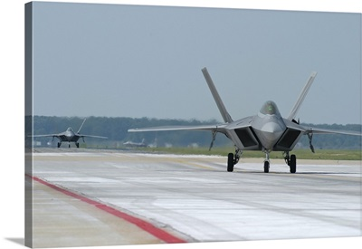 U.S. Air Force F-22A Raptor taxiing at Langley Air Force Base, Virginia