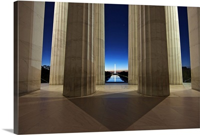 Washinton Monument at sunset, viewed from the Lincoln Memorial