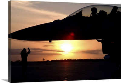 Wing Safety Office chief brings his F-16C Fighting Falcon to a stop
