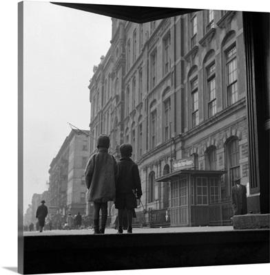 Children on the street in Harlem, New York City, 1943