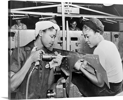 Douglas Aircraft Factory, Two women at work