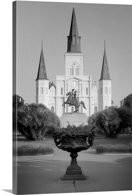 A shot of the famous St. Louis Cathedral in New Orleans, LA