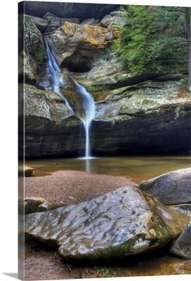Cedar Falls in Hocking Hills in Autumn