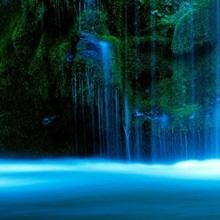 Waterfall on a cliff, Mossbrae Falls, Sacramento River, Shasta Cascade, Dunsmuir, California
